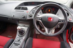Новая Honda Civic Type R попала в ТОП-10 лучших хэтчбеков 2017 года
