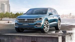 Новый VW Touareg тестируют на автобане