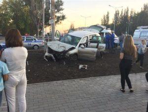 На Московском шоссе в Самаре Volkswagen протаранил кроссовер, пострадали несколько человек