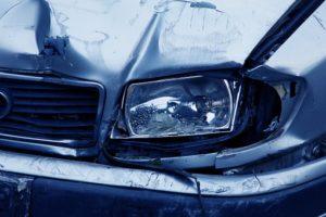 Продать или отремонтировать битый автомобиль?