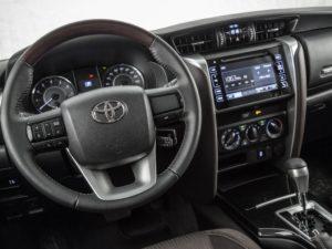 Toyota Fortuner - новое поколение рамных внедорожников