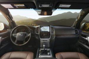 Toyota Land Cruiser 200 – плюсы и минусы