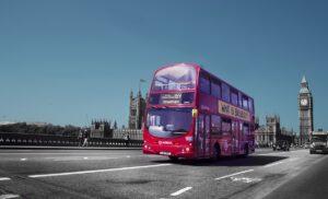 Плюсы поездок на автобусе