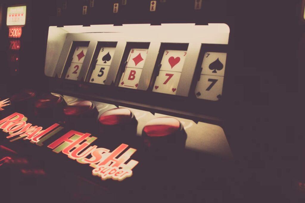 Играть и скачать Риобет казино
