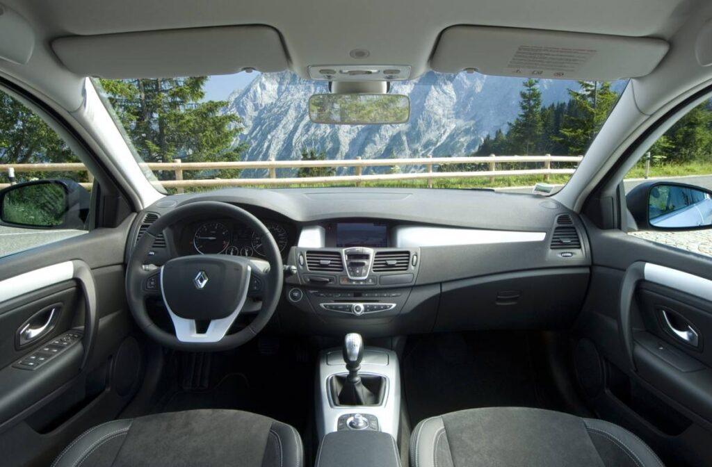 Renault Laguna III (2015-2016 года)